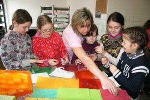 Děti si při exkurzi vyrobí vlastní malé mýdlo