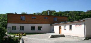 V roce 2009 jsme dokončili výstavbu naší malé rodinné výrobny.